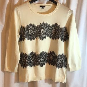 Crew neck sweater with 3/4 sleeves